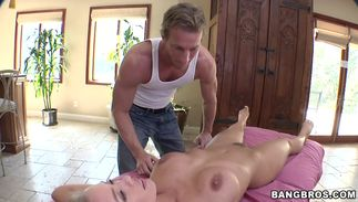 Dazzling busty blond Nicole Aniston sucks with her sexy clothes on