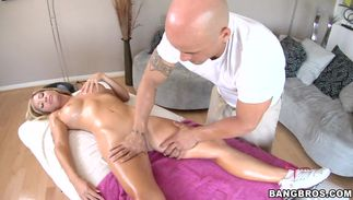 Prodigious golden-haired playgirl Tasha Reign with huge tits doesn't need to undress to ride a lovestick