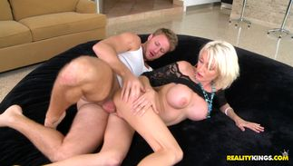 Inviting big boobed Kinzie Fox receives a throbbing wang in her perfect cherry