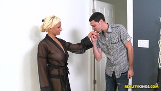 Enticing big breasted beauty Holly Brooks's wet muff gets utterly destroyed by a hard tool