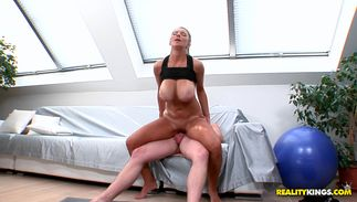 Heavenly big titted Katerina can seduce any dude with her body